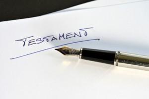 testament spisany ręcznie lub u notariusza
